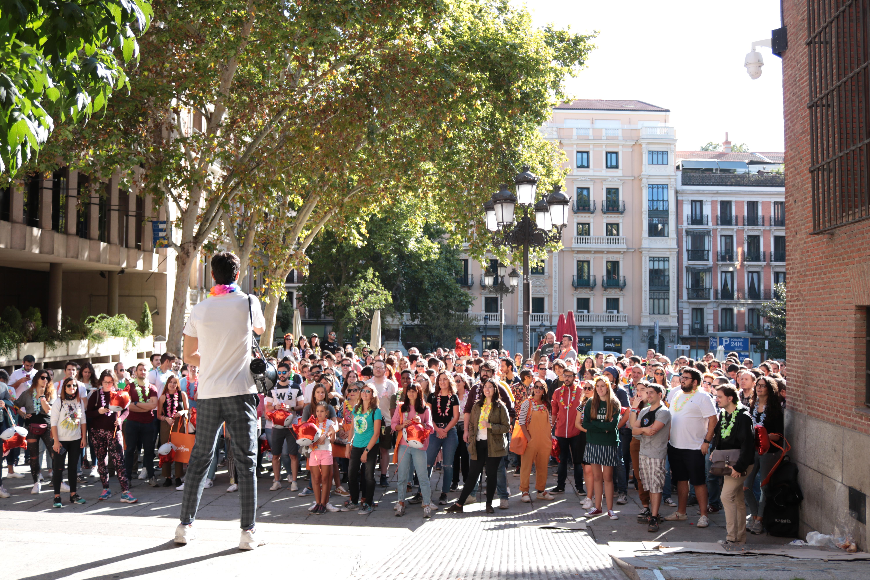 gymkhana Madrid 500 personas juntas
