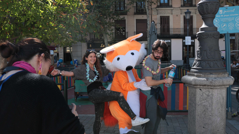 experiencia inmersiva bailando con un zorro
